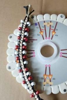 Kumihimo Armband mit Schablone Design30 geflochten