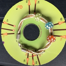 Kumihimo Armband mit Flechtmusterschablone Hira utsi mit 6 Fäden